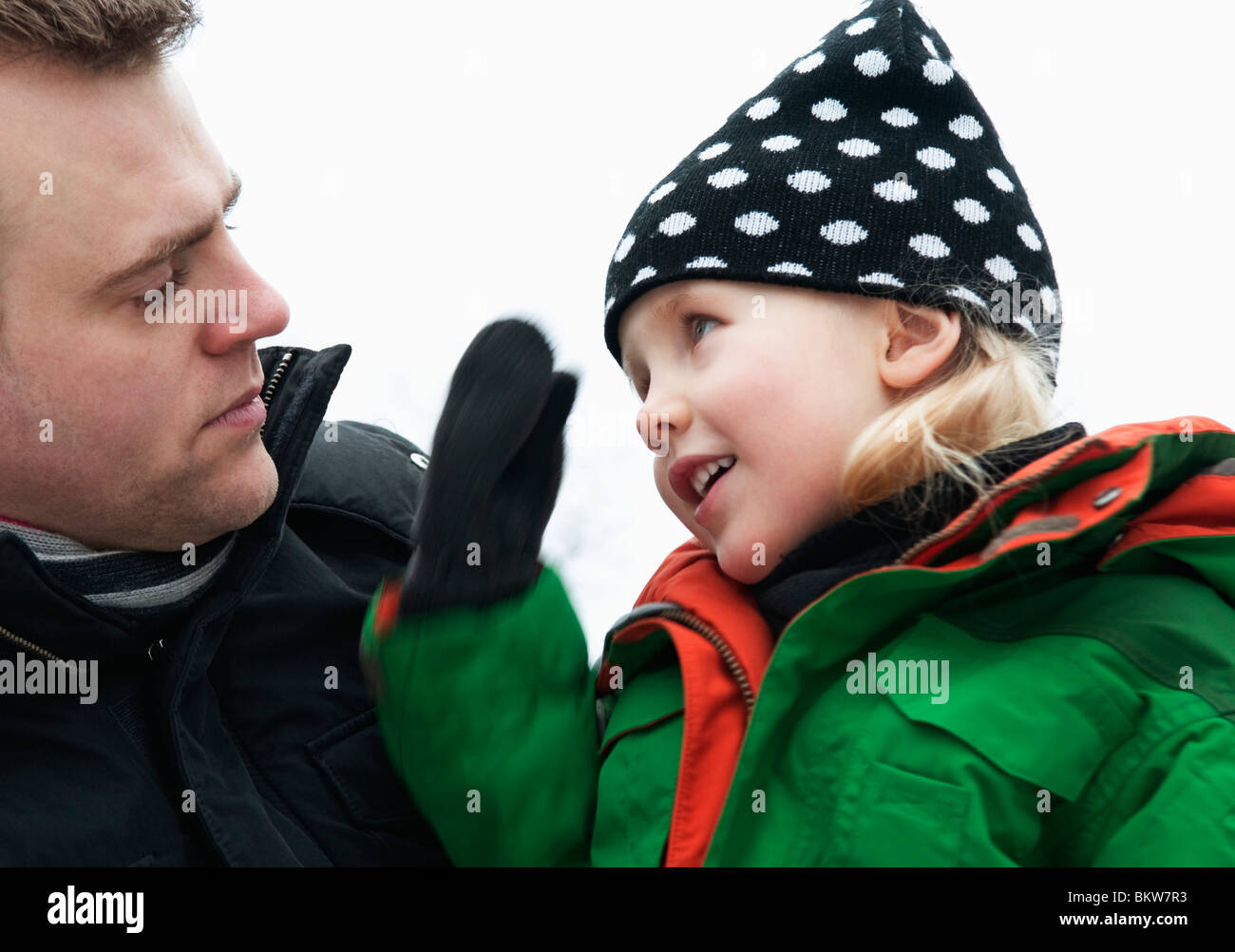 father-and-daughter-talking-BKW7R3.jpg