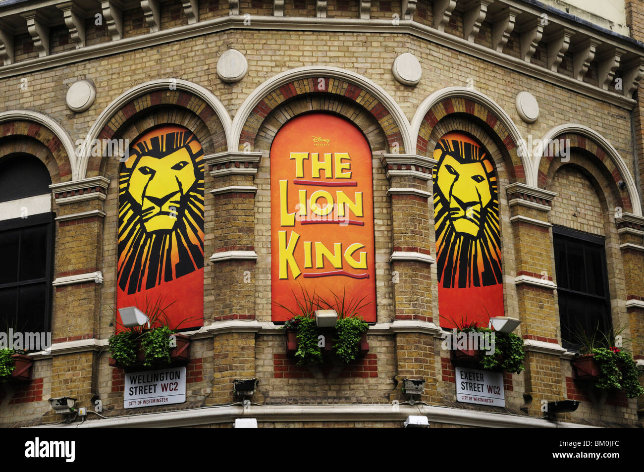 the lion king billboards at the lyceum theatre  covent