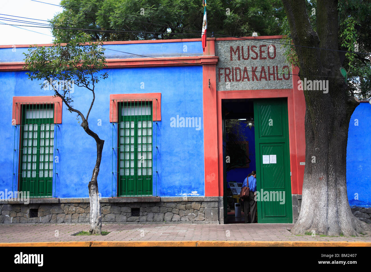coyoacan single guys So let's explore 10 places to go off the beaten path in mexico city  san angel and coyoacan  2018 at 1:20 am on the reality of older men dating young women .