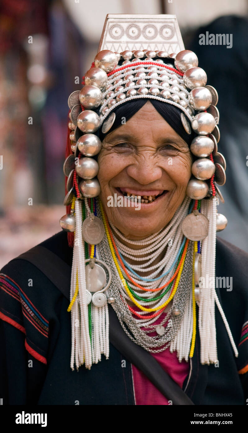 laughing-akha-tribeswoman-in-doi-mae-sal