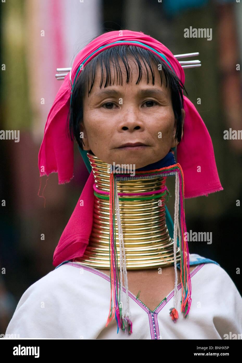 paduang-long-necked-karen-hill-tribe-wom