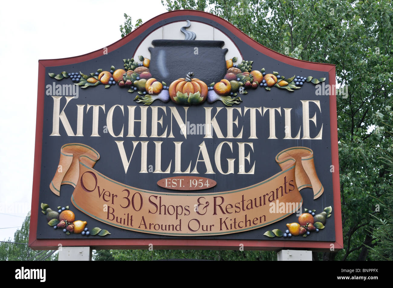 Kitchen kettle village sign a tourist shopping center in for 7 kitchen road gouldsboro pa