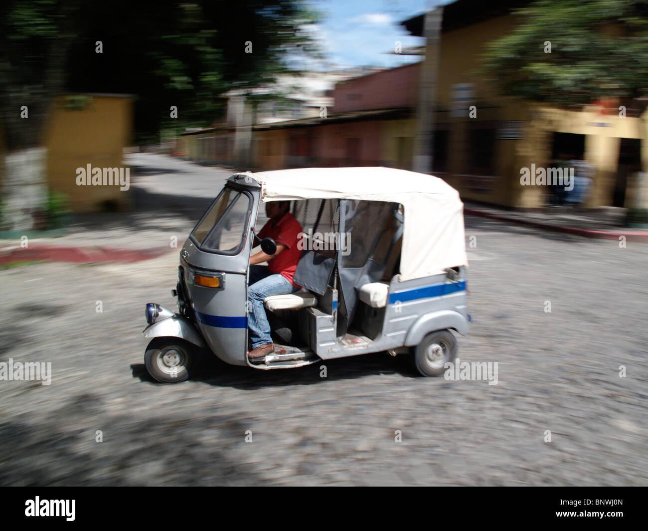 Taxi Moto Lyon : GoldCab, votre moto taxi avec chauffeur