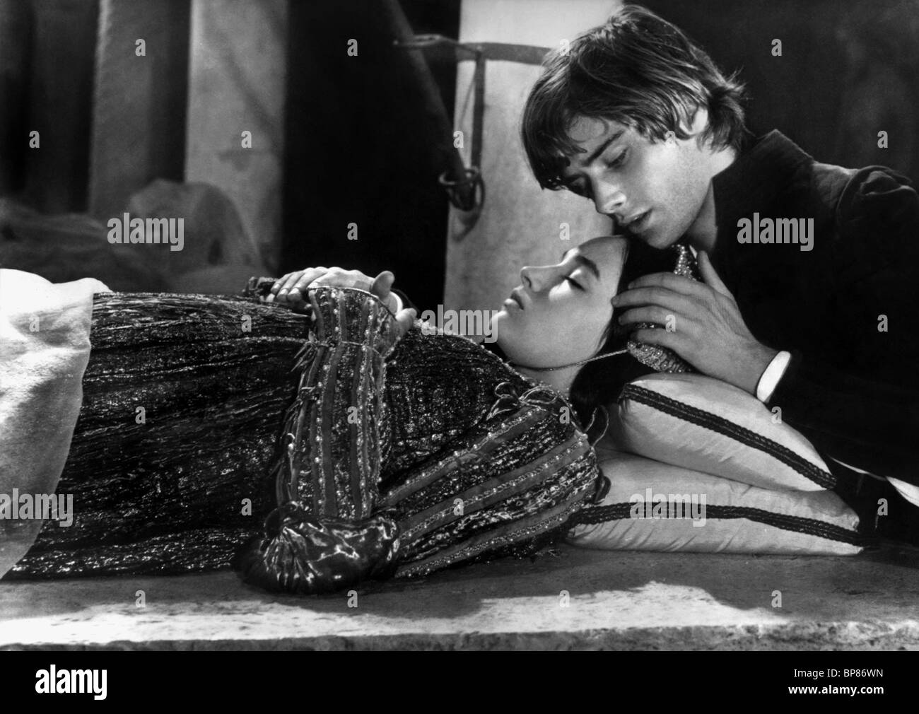 OLIVIA HUSSEY & LEONARD WHITING ROMEO AND JULIET (1968 ...