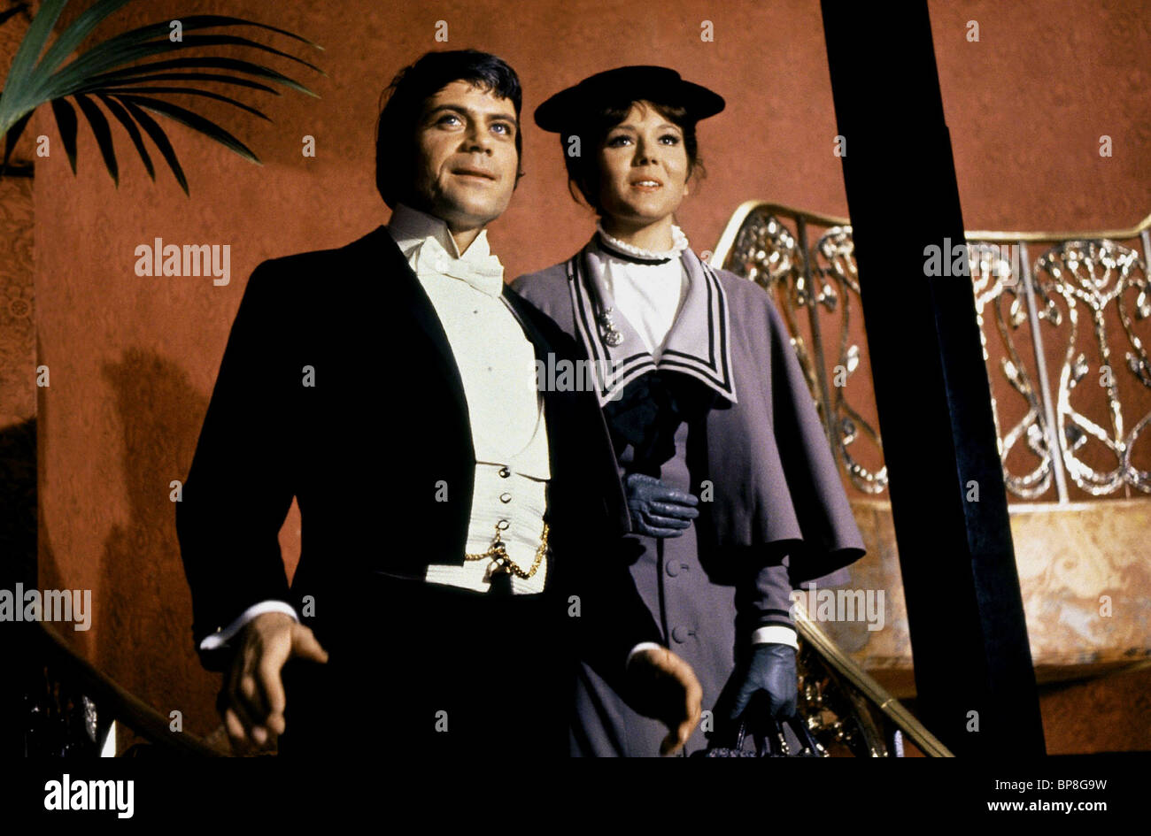oliver reed diana rigg the assassination bureau 1969 stock photo royalty free image. Black Bedroom Furniture Sets. Home Design Ideas