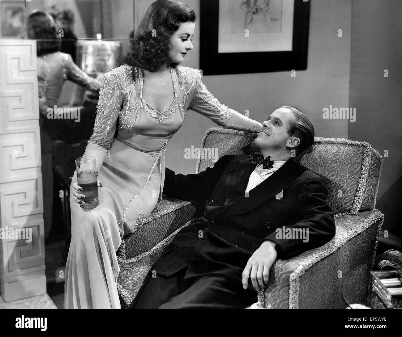 duryea women He quickly gained a reputation with the public as a tough guy with a penchant for beating up women that dan duryea is so good in the role of the blackmailer.