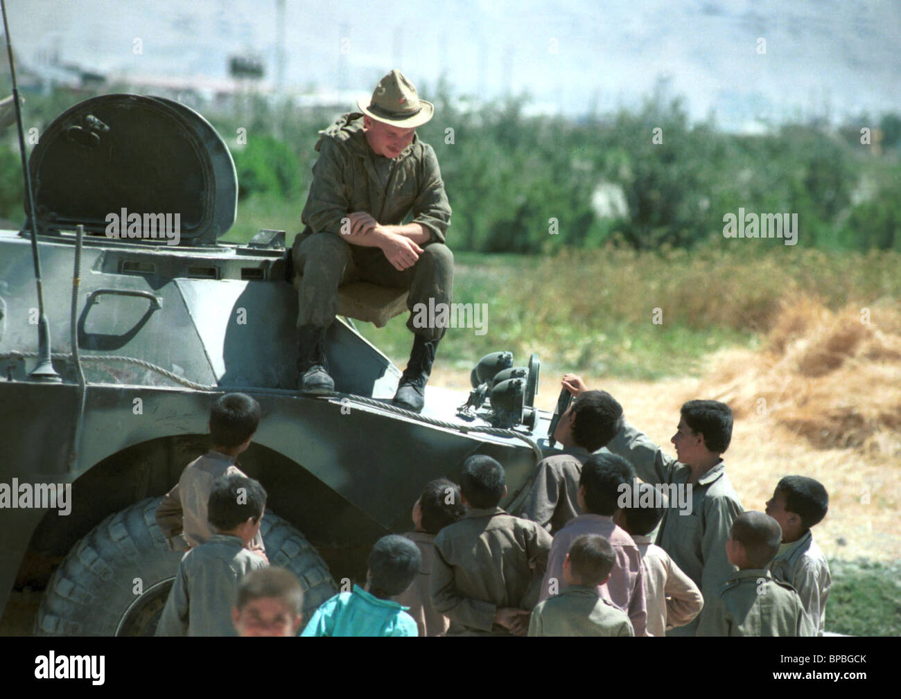 Soviet Afghanistan war - Page 6 Withdrawal-of-soviet-troops-from-afghanistan-1988-BPBGCK