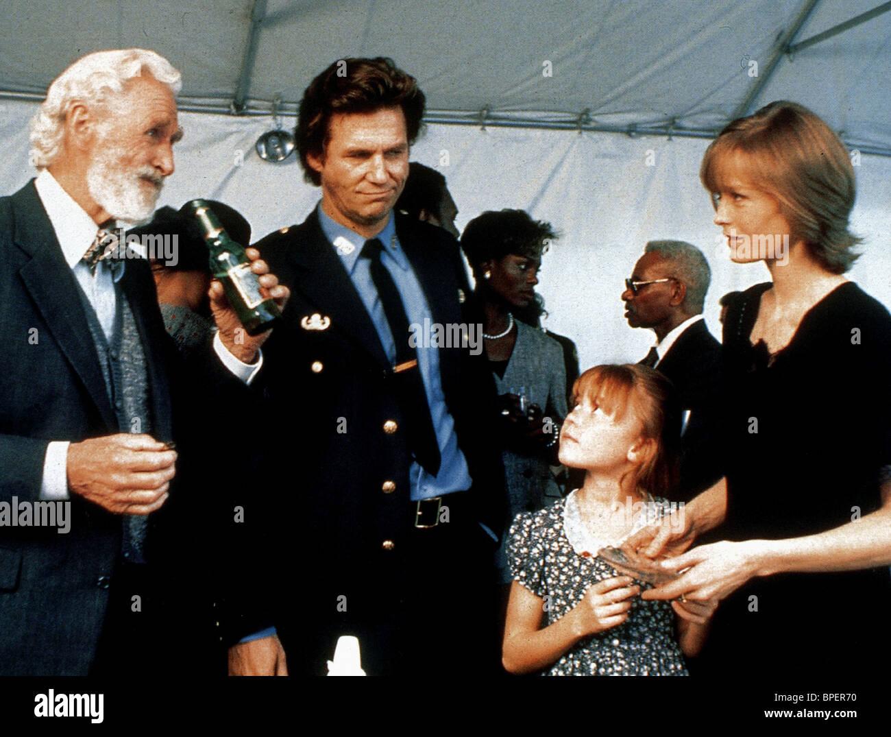 LLYOD BRIDGES JEFF BRIDGES & SUZY AMIS BLOWN AWAY (1994) Stock Photo