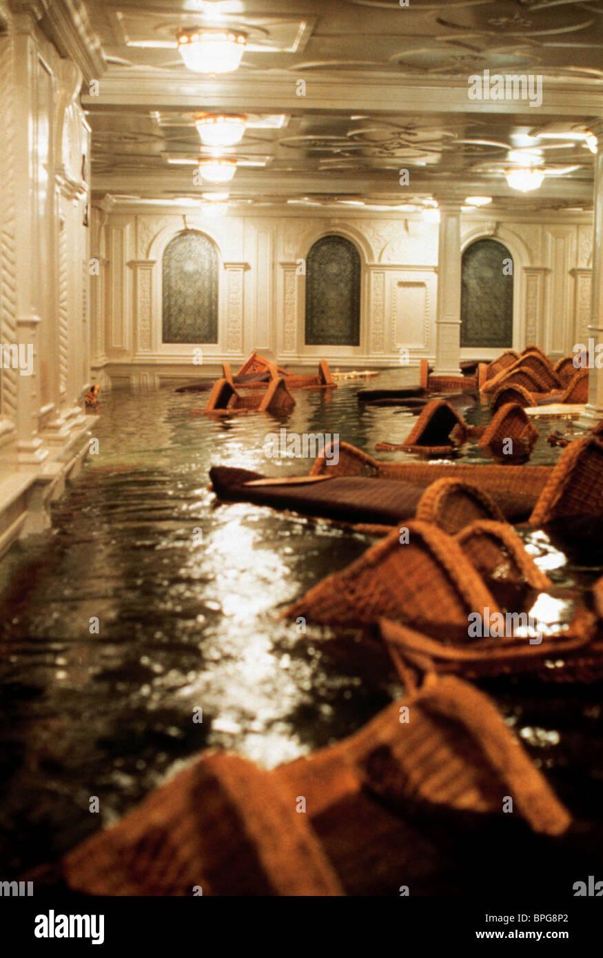 Sinking Scene Titanic (1997 Stock Photo, Royalty Free ...