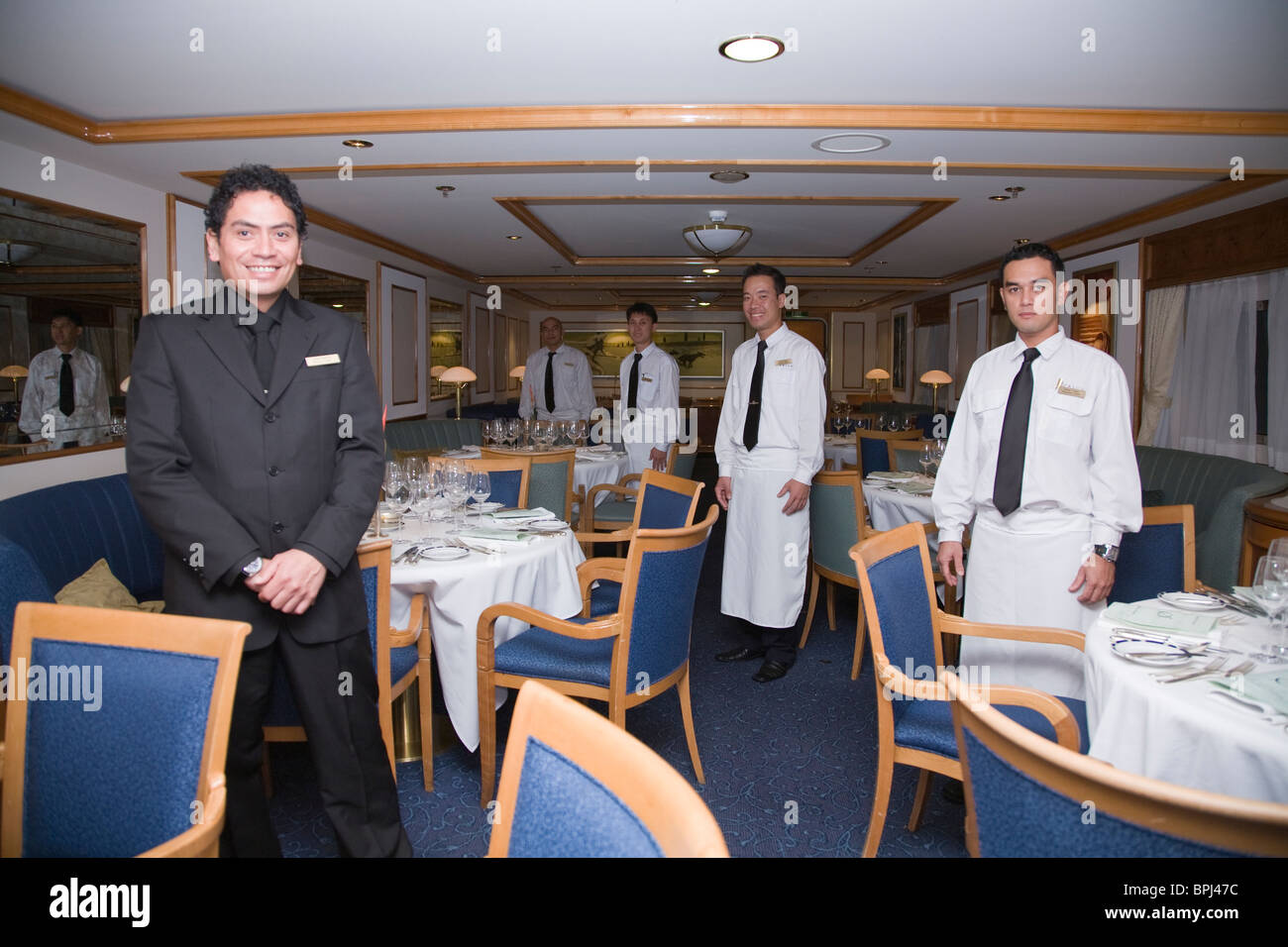 Maitre d 39 hotel clinton perkins dining room staff for What is a maitre d
