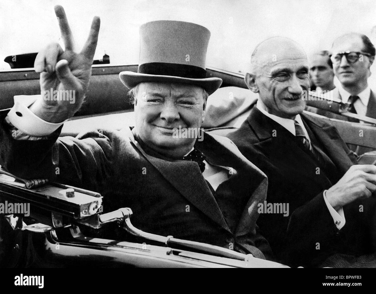 a biography of winston churchill prime minister of england Sir winston churchill was the famous prime minister who successfully led britain during the world war ii he was a politician, a soldier, an artist, and.