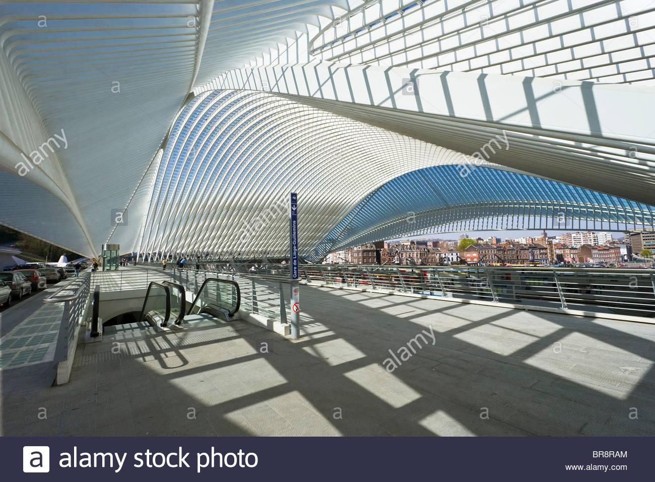 Li 232 Ge Guillemins Train Station Platform Escalator Modern