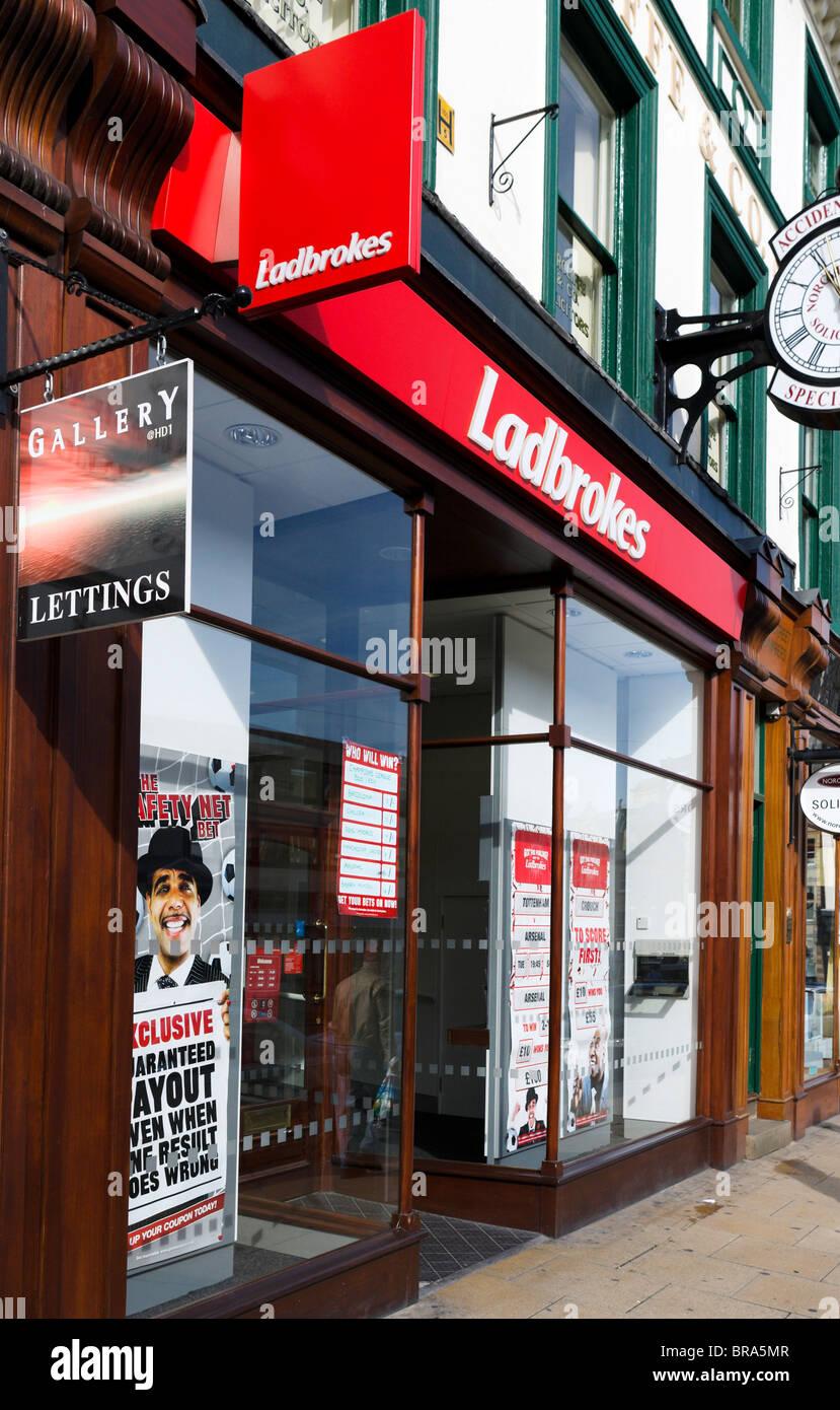 ladbrokes-betting-shop-huddersfield-west