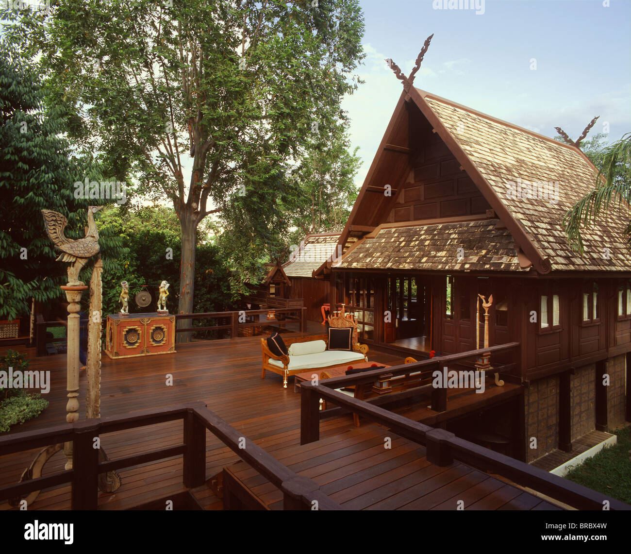 Northern style lanna thai house chiang mai thailand for Classic house chiang mai