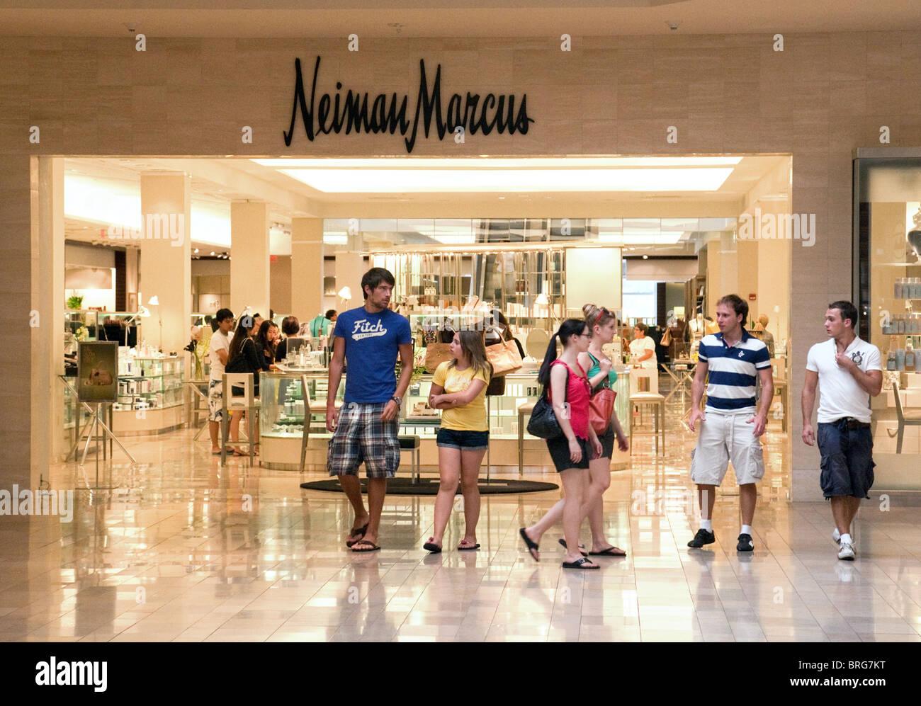 Neiman Marcus Fashion Show Mall Las Vegas