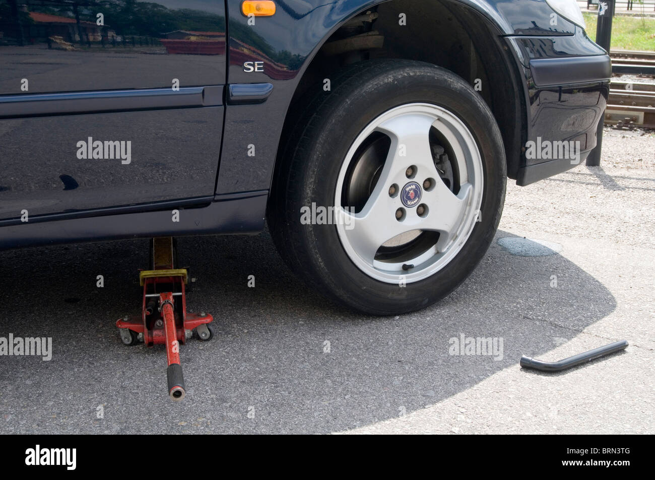 how to change a tire on a car for dummies