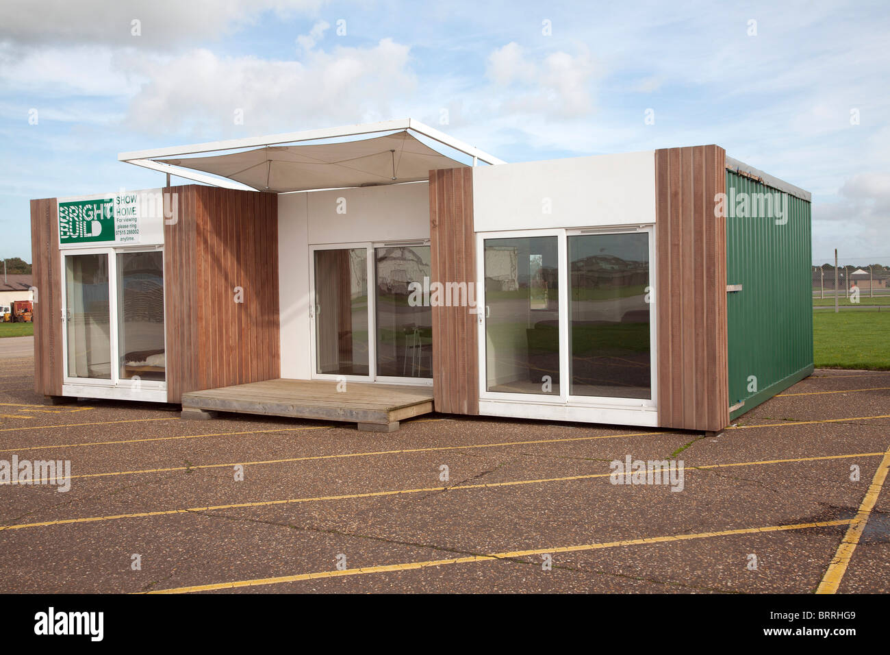 Modern bright build pre fabricated house show home raf for Blueprints for houses already built