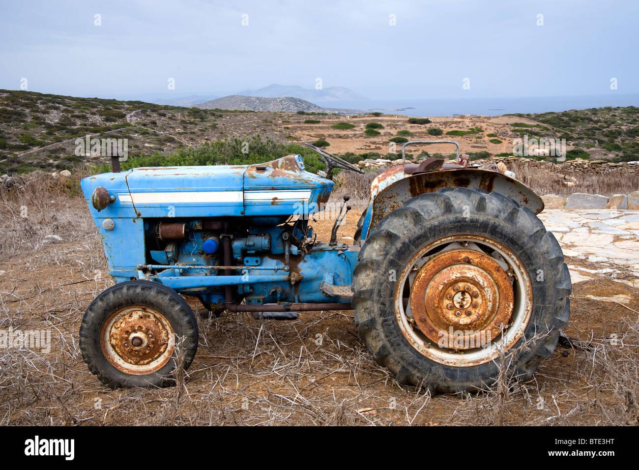 Old Ford Farm Tractors : Old ford farm tractor in a field taken near arkesini