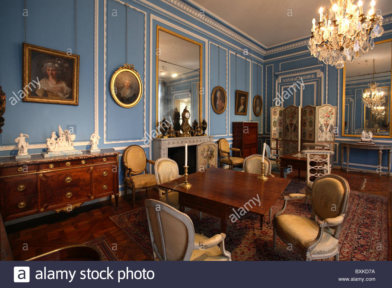 Salon bleu louis xvi in musee carnavalet paris stock for Salon louis 16
