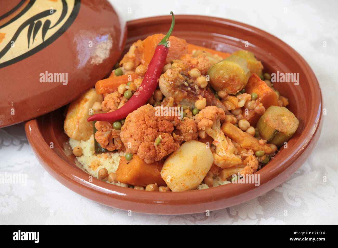 Moroccan food chicken tagine vegetables and chicken for About moroccan cuisine