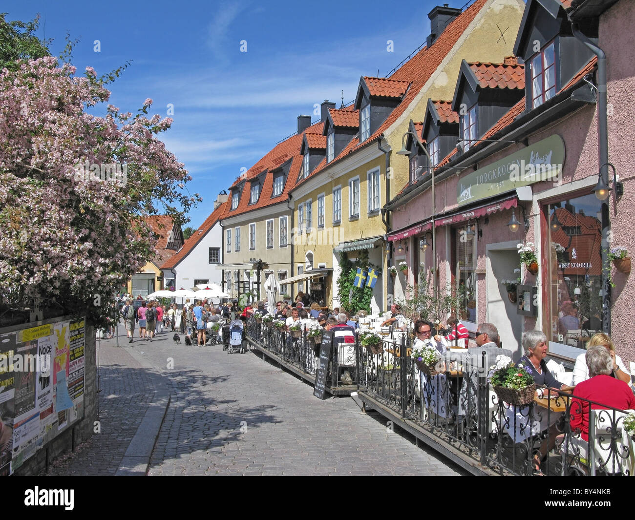 Pavement Cafes Restaurants And Old Buildings Visby