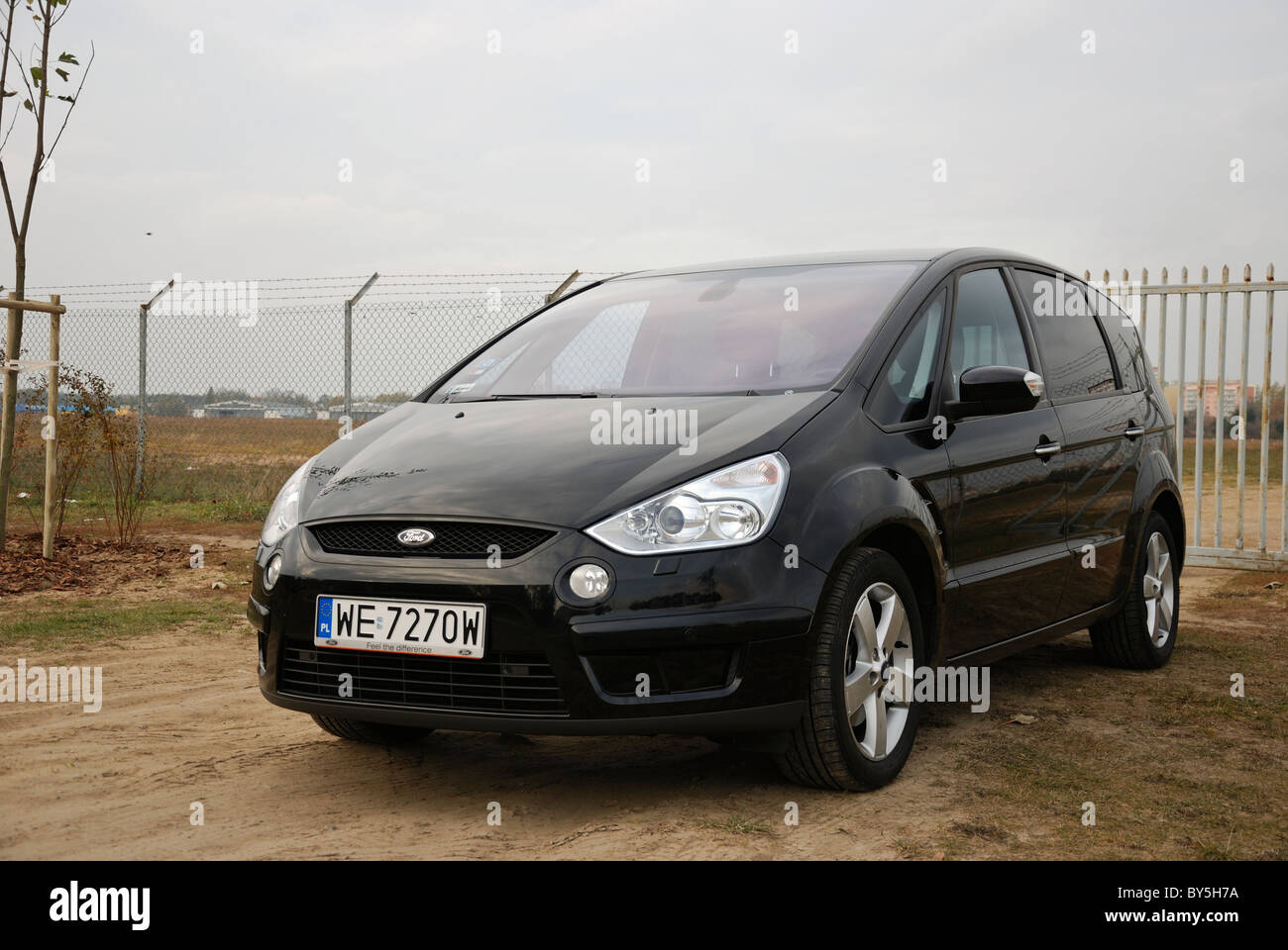 ford s max 2 0 tdci my 2006 black metallic five doors 5d stock photo royalty free image. Black Bedroom Furniture Sets. Home Design Ideas