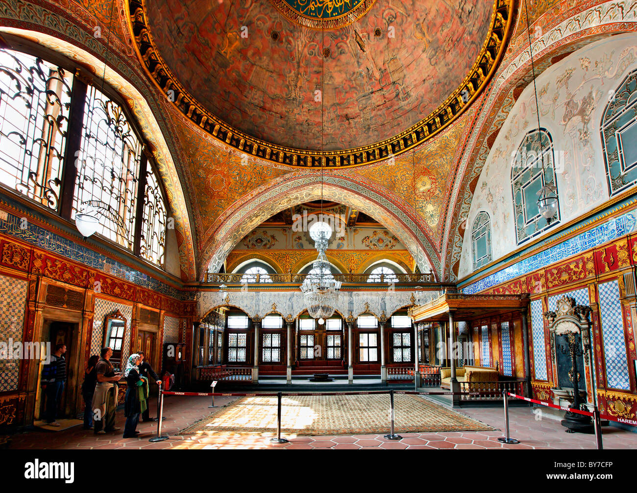 The Imperial (Sultan's) hall in the Harem of Topkapi ...