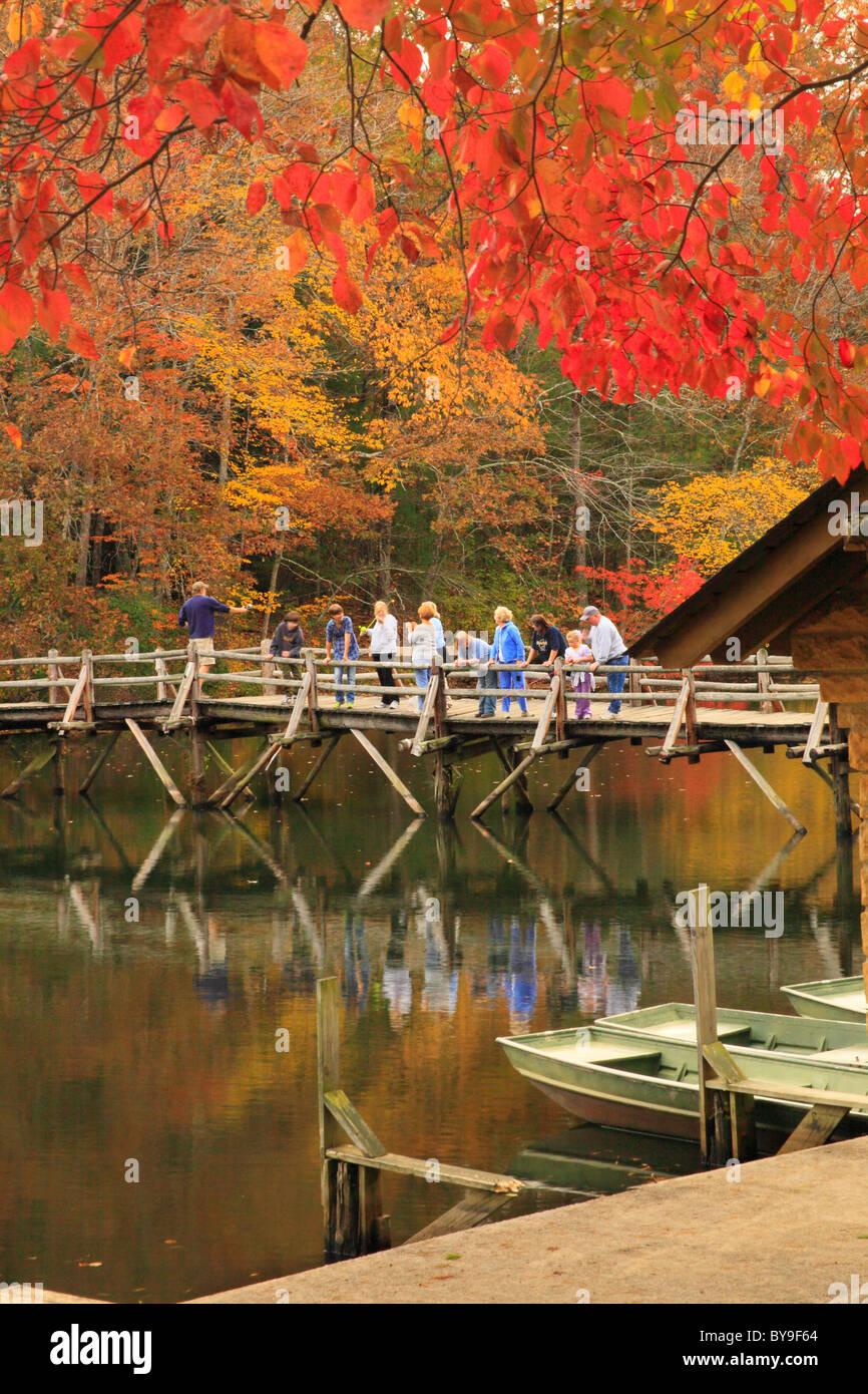 Visitors fishing from footbridge on byrd lake cumberland for Lake cumberland fishing