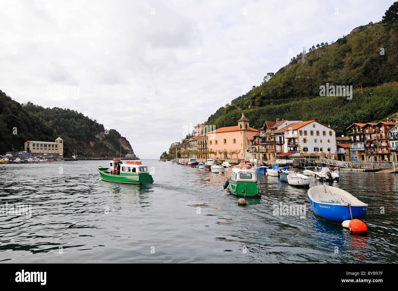 Ferry pasai donibane fishing village san sebastian - San sebastian pais vasco ...