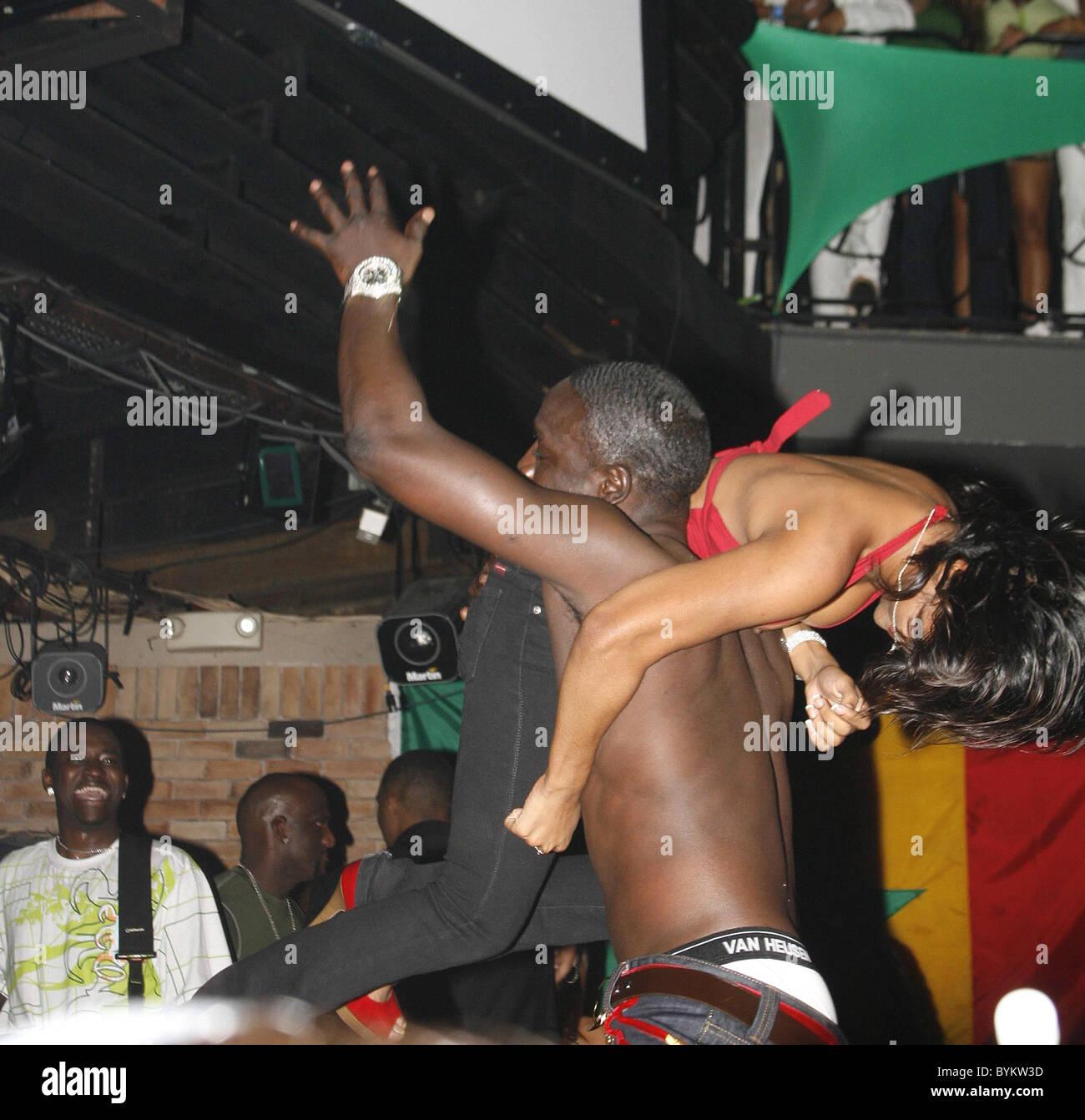 Porn Pics Akon 74