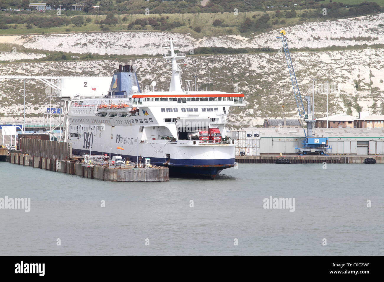 dover-harbour-and-white-cliffs-of-dover-