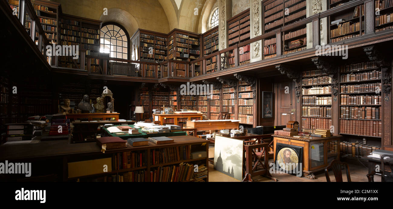 St Paul S Cathedral Harry Potter Staircase : Library st paul s cathedral city of london stock