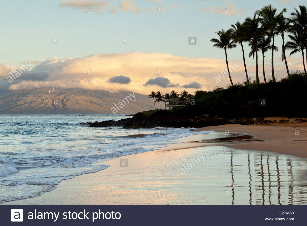 morning-on-poolenalena-beach-in-makena-c