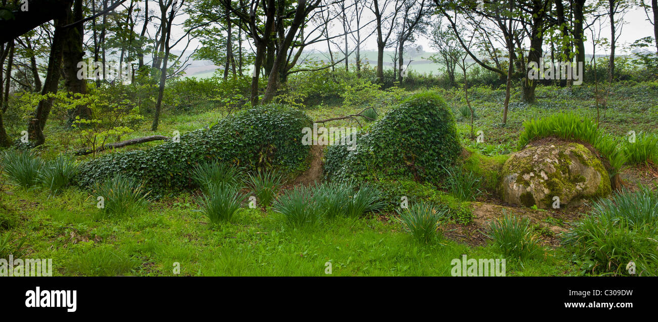 The lost gardens of heligan in cornwall - Mud Maid Earth Woman Sculpture Of Stone And Plants At The