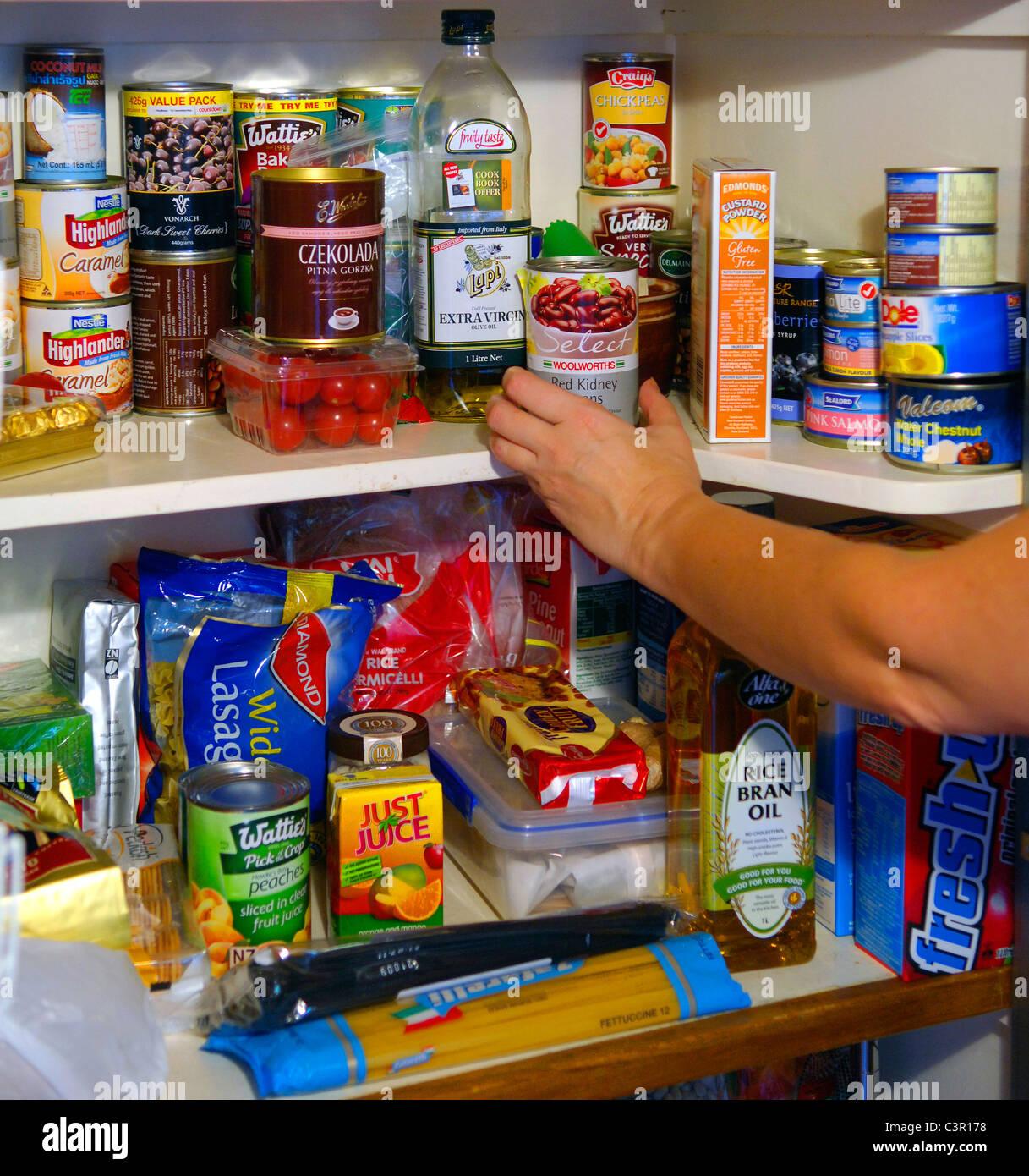 Kitchen pantry Stockfoto Lizenzfreies Bild Alamy