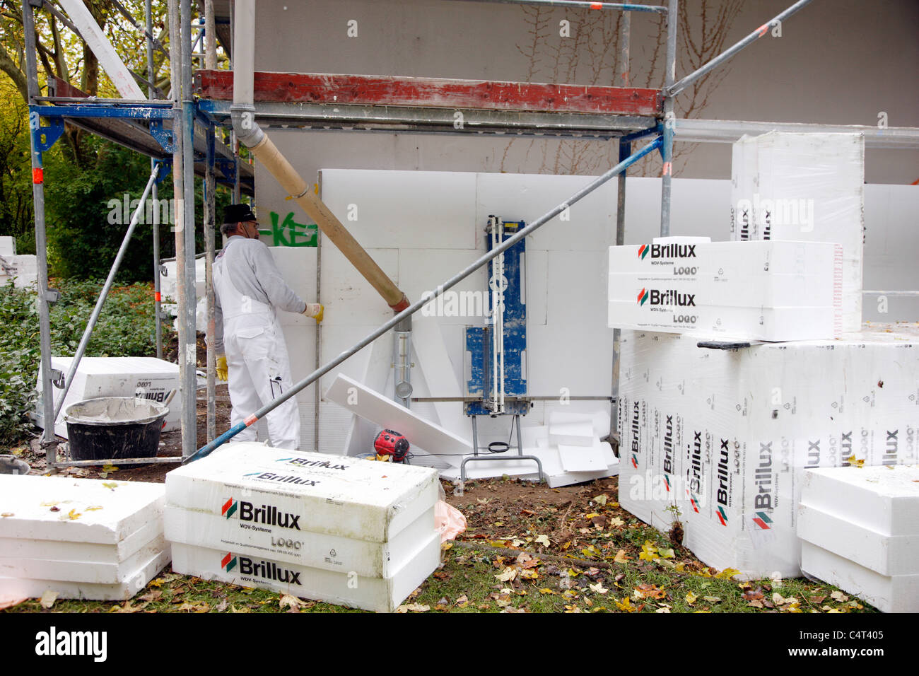 heat insulation of a building for saving energy styrofoam panels stockfoto lizenzfreies bild. Black Bedroom Furniture Sets. Home Design Ideas
