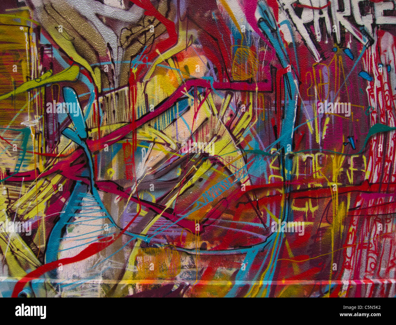 graffiti v modern art Graffiti art: a brief history of the controversial form from the battlefields of world war ii to the 21st-century 5 train, time out tracks the evolution of graffiti art.