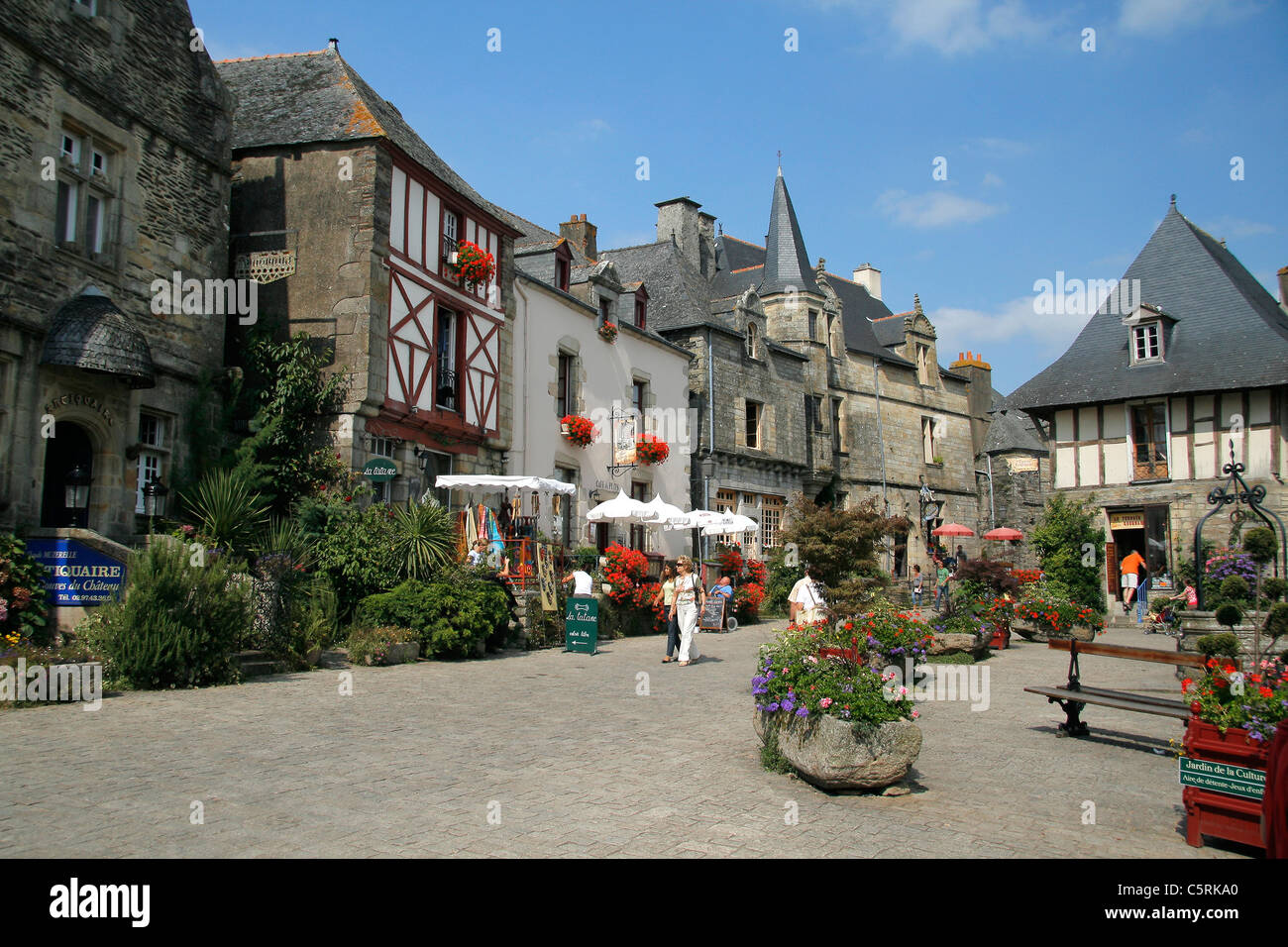 old houses xvi xviii in the central square of rochefort. Black Bedroom Furniture Sets. Home Design Ideas