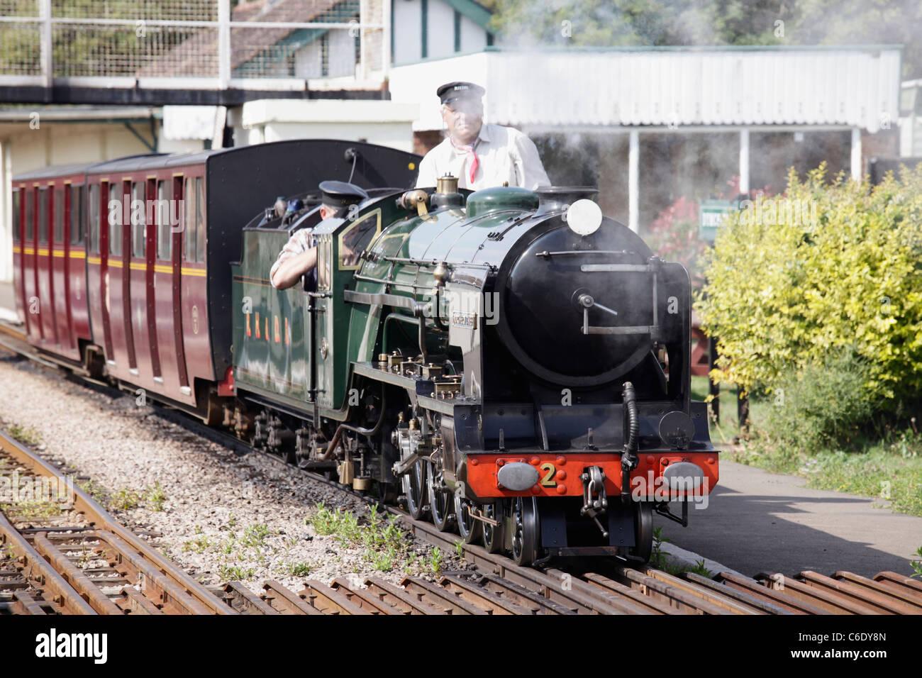 steam-train-of-romney-hythe-dymchurch-ra