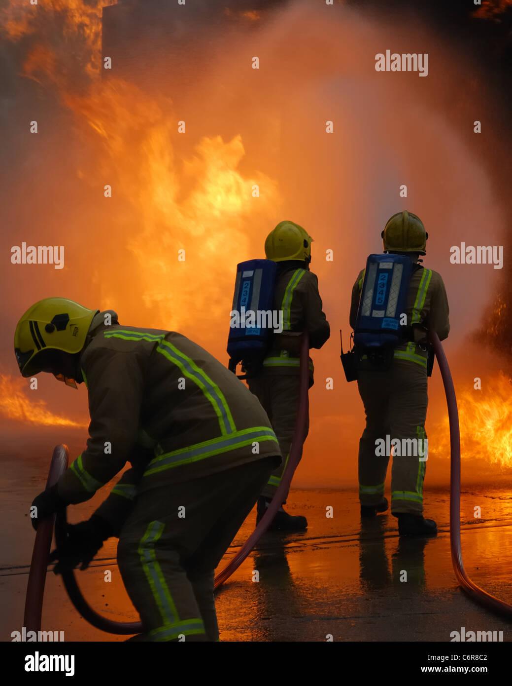 firefighters-fighting-fire-in-scotland-C6R8C2.jpg