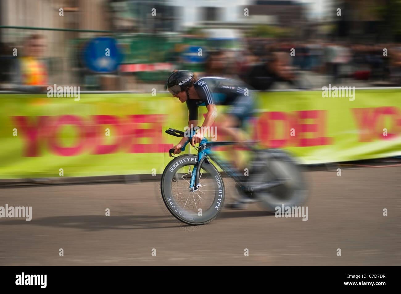geraint-thomas-of-sky-professional-cycli