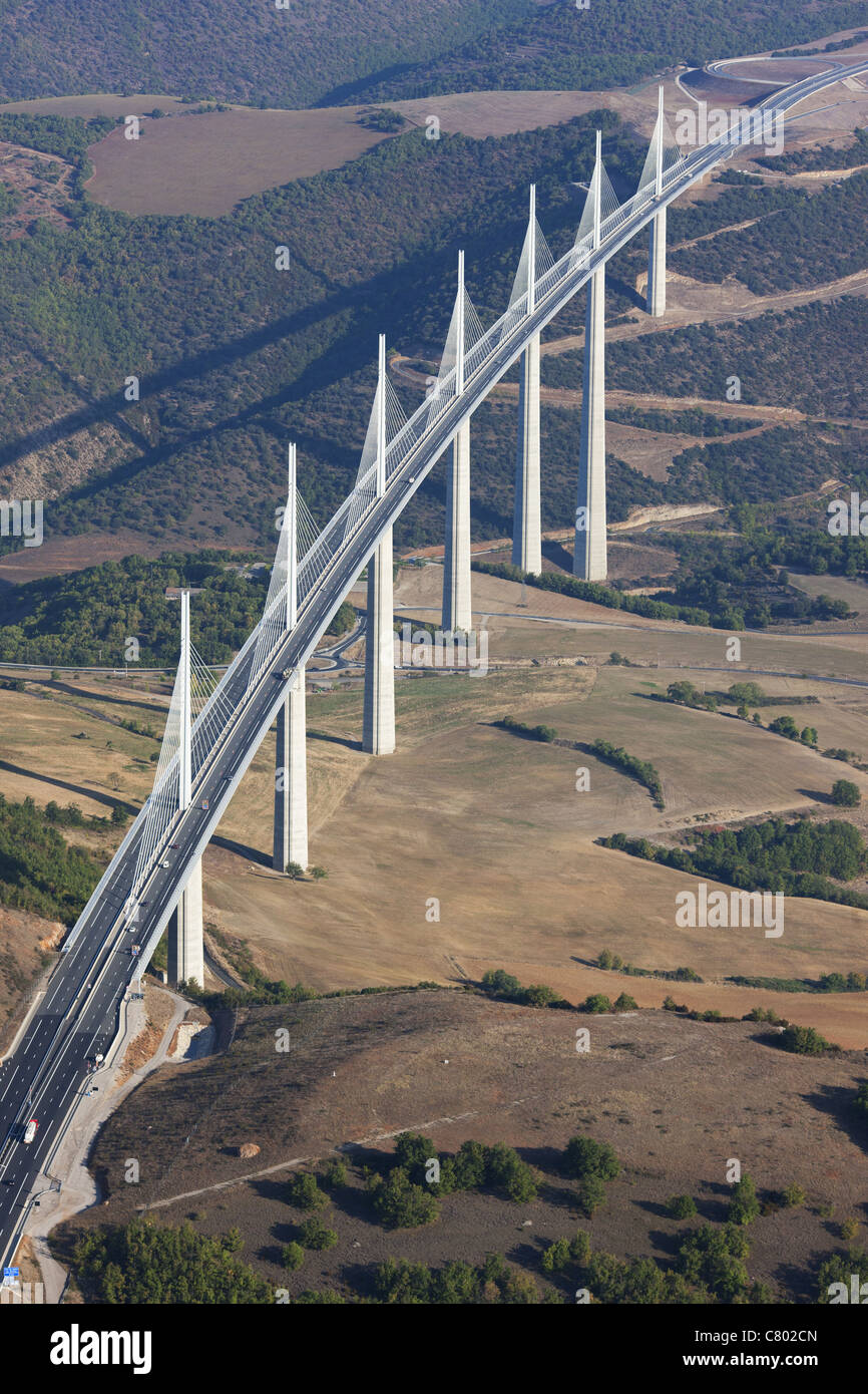 millau viaduct aerial view cable stayed bridge spanning. Black Bedroom Furniture Sets. Home Design Ideas