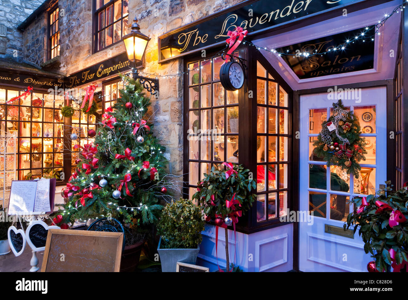 Shops decorated for Christmas, Bakewell, Derbyshire ...
