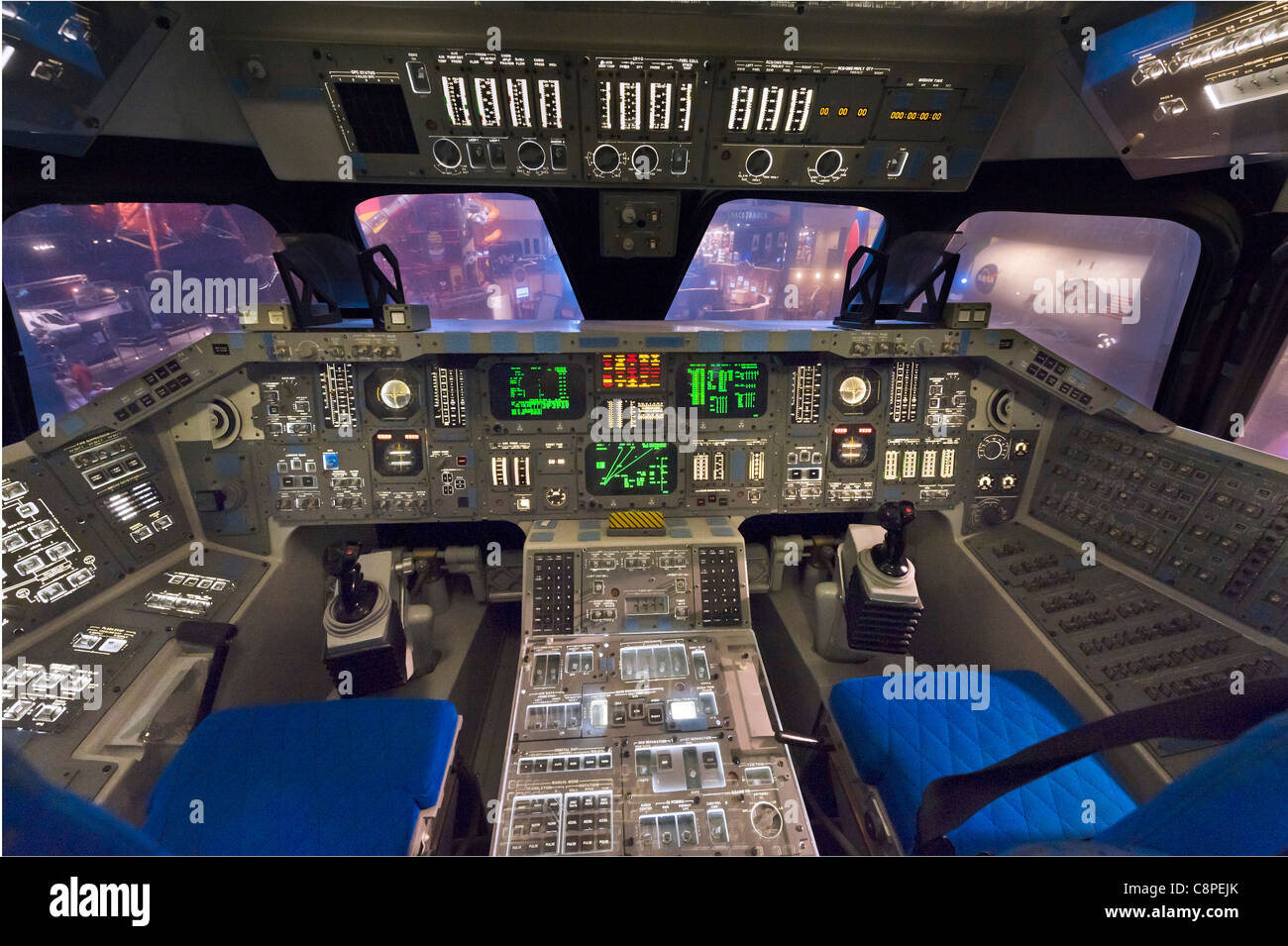 Mock Up Of The Flight Deck Of The Space Shuttle Orbiter ...