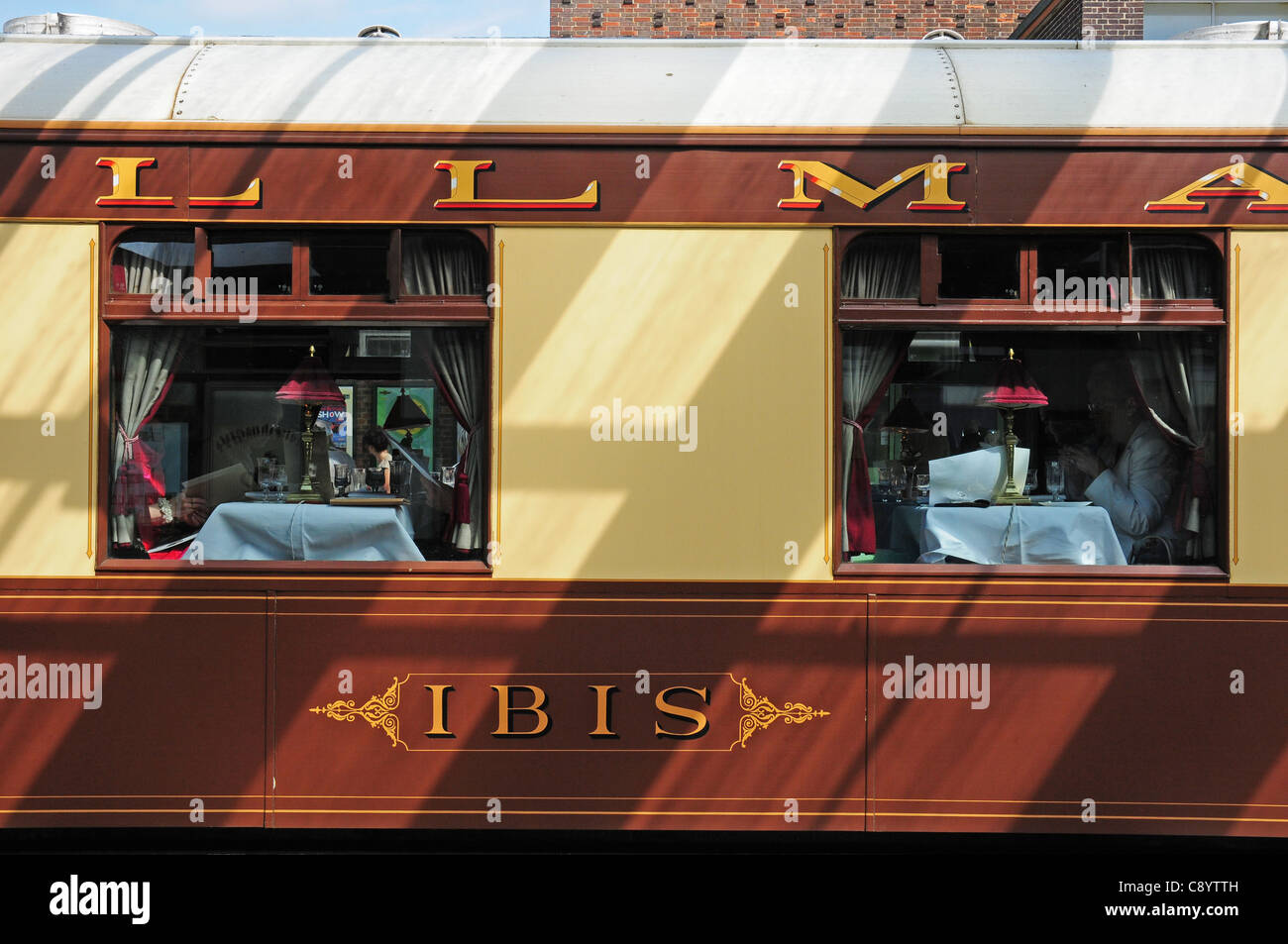 Buy Table Lamps Two Windows In The Ibis Pullman Carriage Of The Orient