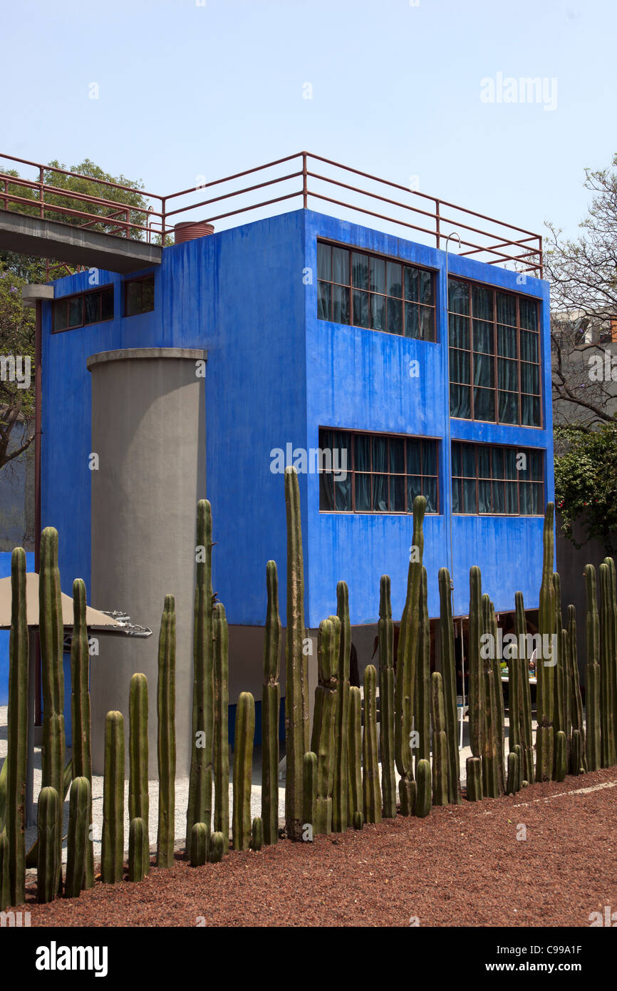 la casa azul or the blue house coyoacan museo casa. Black Bedroom Furniture Sets. Home Design Ideas