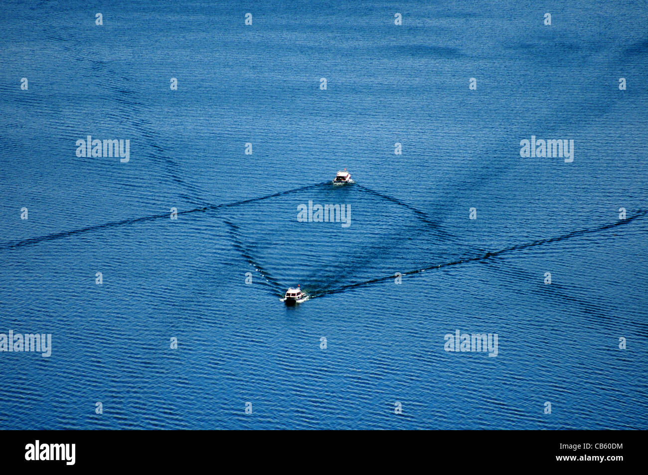 boats-crossing-lake-titicaca-in-south-am