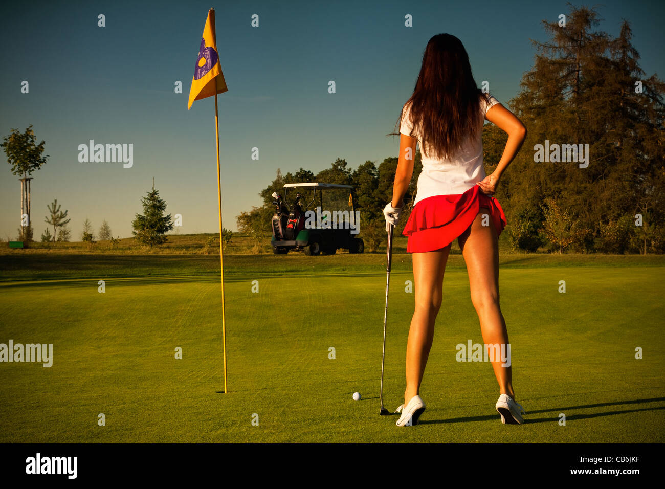 Sexy Girl Playing Golf Rocking the Tatas - Funny Or Die