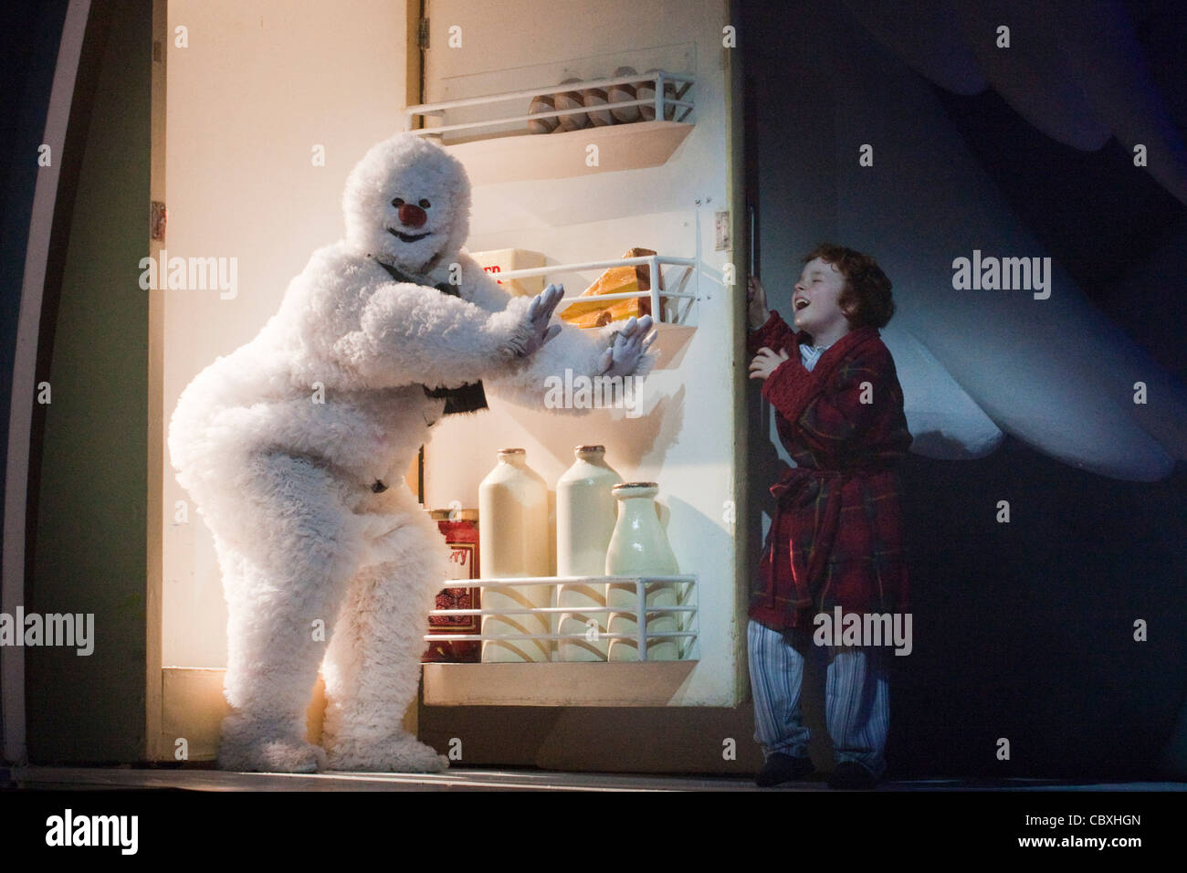 performance-of-the-snowman-at-the-peacoc