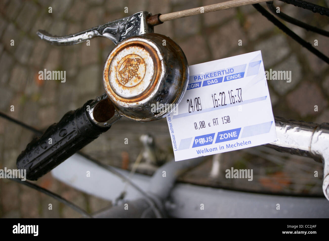 a-parking-ticket-on-a-bicycle-mechelen-a